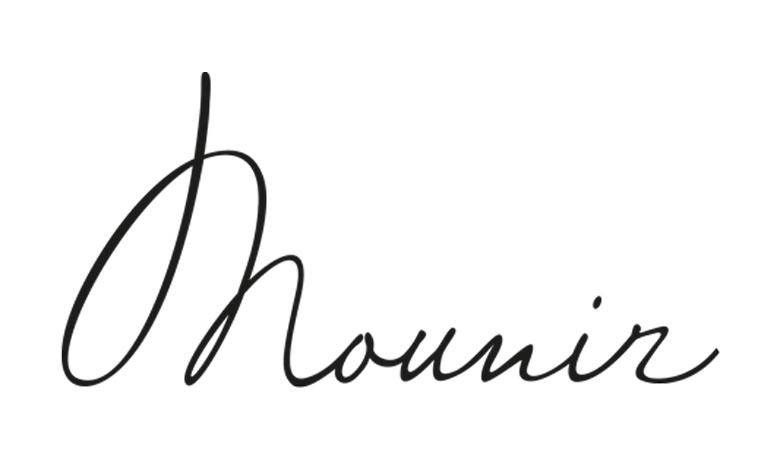 Mounir beim Friseur in Deutschland